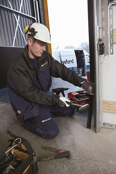Сервизна дейност, техническа поддръжка и модернизация